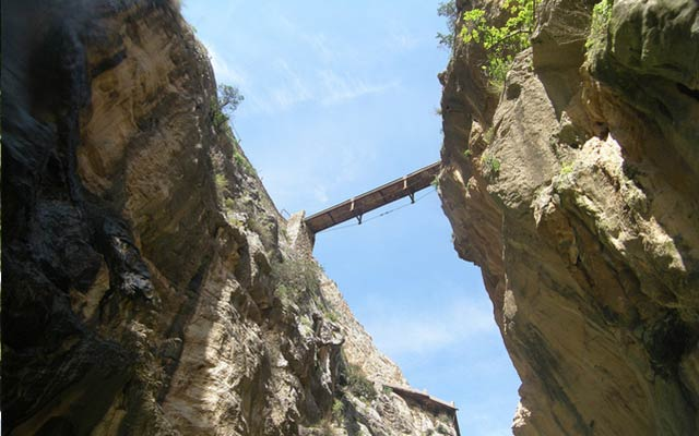 updated El Caminito Del Rey bridge