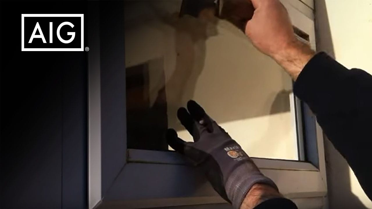 How to take out glass on a pvc external beaded window video